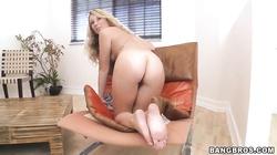 Blonde cutie Sarah Jackson plays with dick