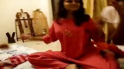 [HQ] Girls Dance in Hostel Room! Leaked Video