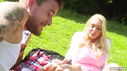 Tattooed fucker is banging with a young blonde in the video by I Know That Girl