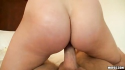 This crazy cock-riding cutie is driving me crazy and swallowing sperm