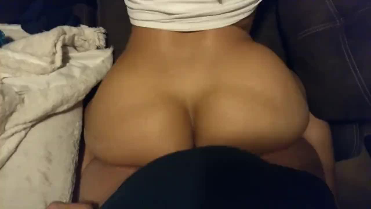 Latina Bubble Butt Webcam
